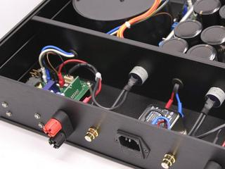Dual-mono UcD400 amplifier back