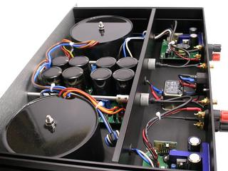 Dual-mono UcD400 amplifier top